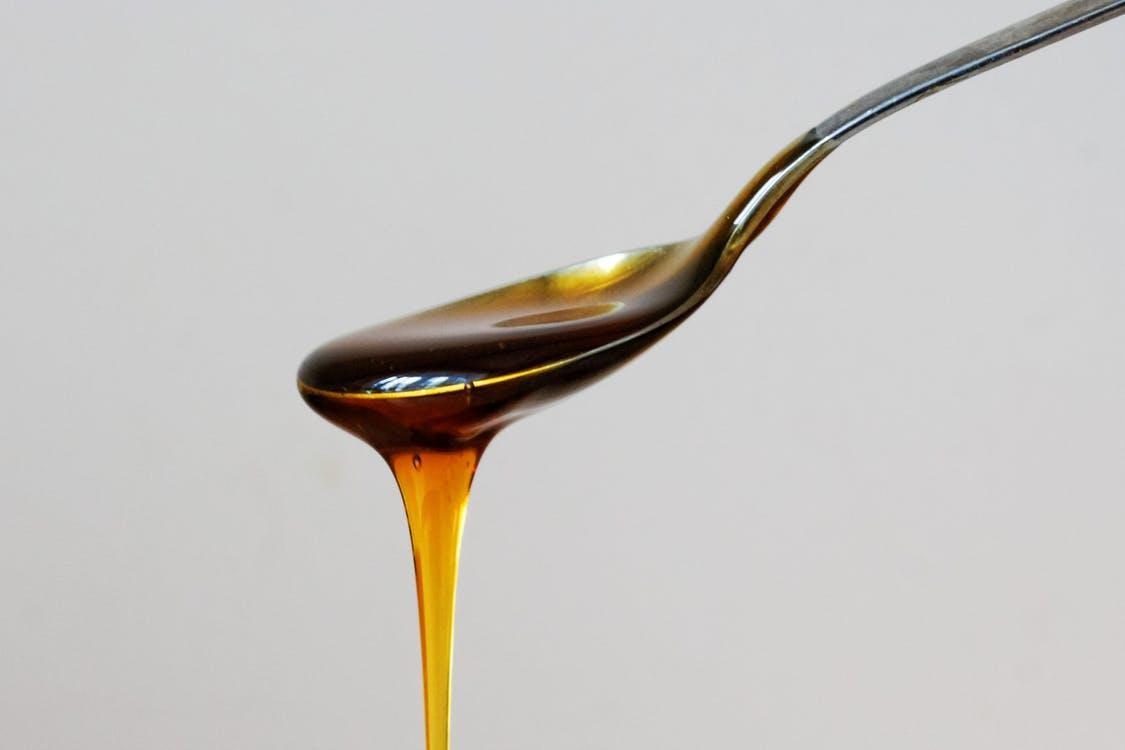 5 beneficii ale mierii de Manuka pe care nu le știai