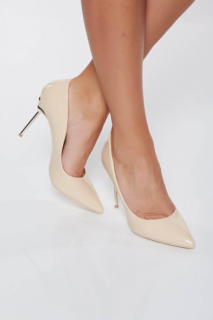 pantofi crem eleganti din piele ecologica lacuita smart. Black Bedroom Furniture Sets. Home Design Ideas